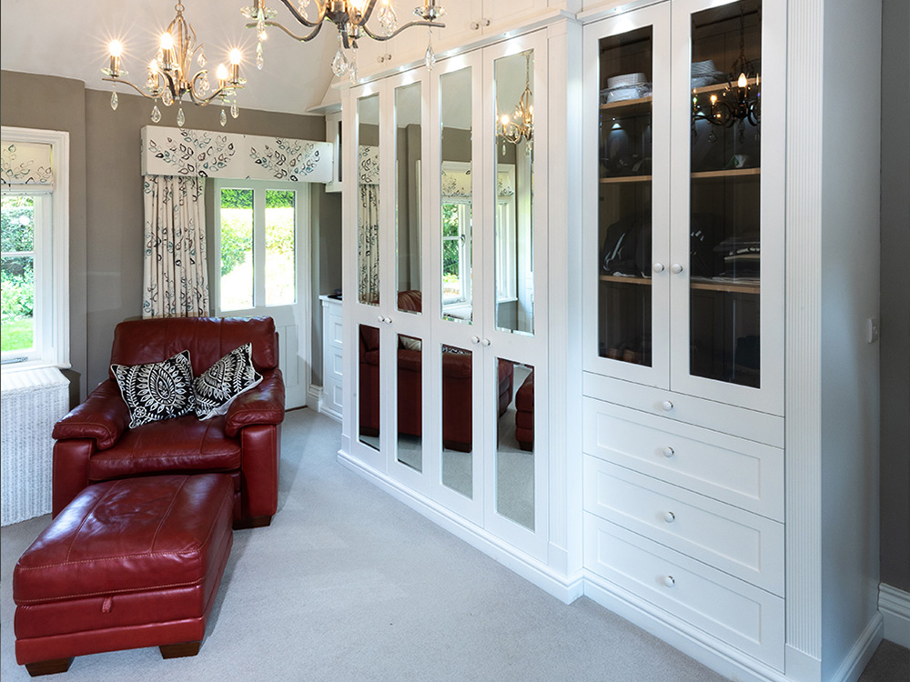 hand-made-luxury-dressing-room-design-furniture2